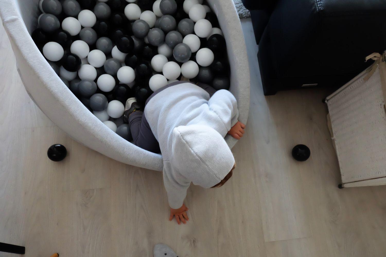 Qu locura de bolas ale mcseven for Piscina bolas minibe